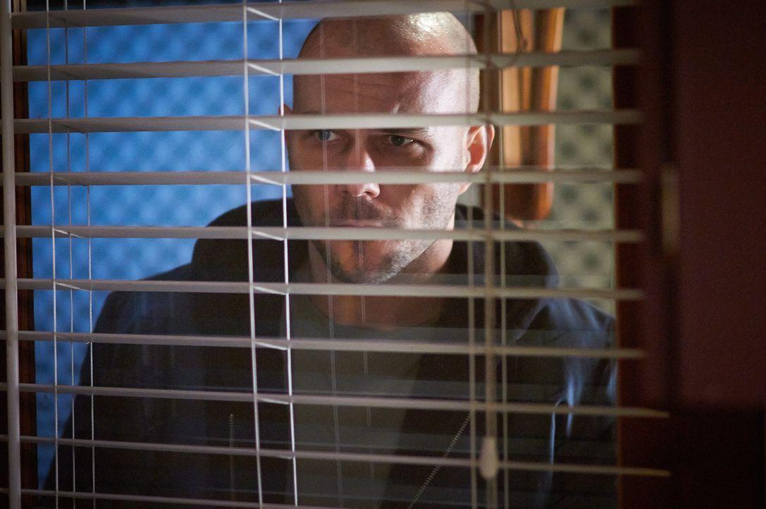 Nachdem Gerald (Bild) das Stalking nicht mehr genug ist, bricht er in das Haus von Verna ein ... - Bildquelle: Steven Lungley Cineflix 2014