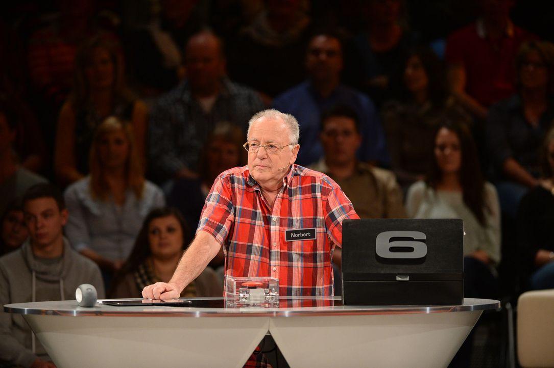 """""""Deal or no Deal"""", das ist hier die Frage. Wie wird sich Norbert entscheiden? - Bildquelle: Willi Weber SAT.1"""