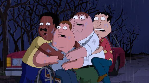 Wollen einen eigenen Horrorfilm drehen - dazu gehen Peter (2.v.r.), Joe (2.v....