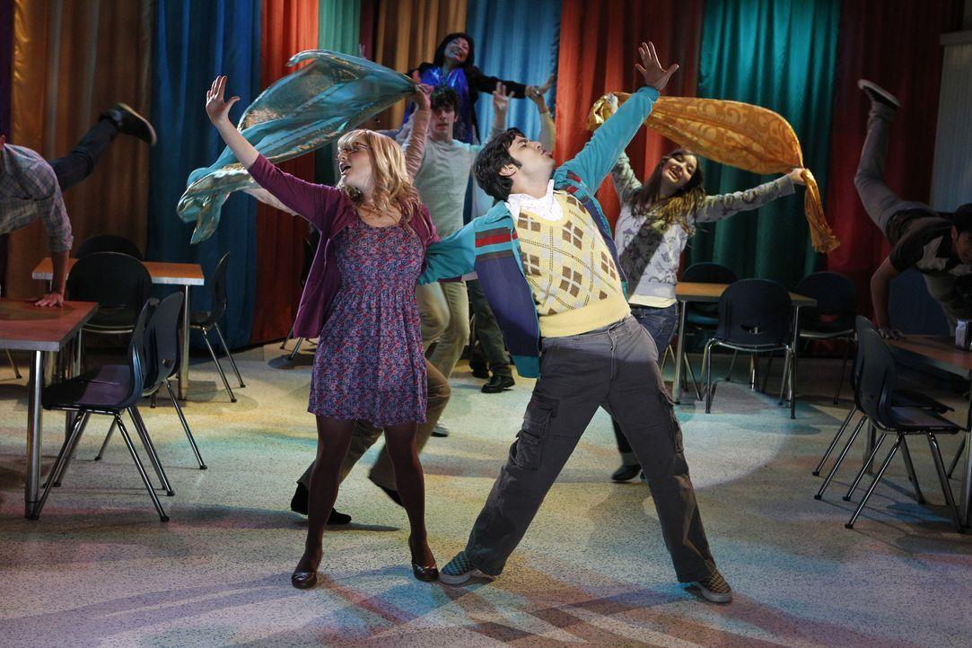 Rajeshs Traum von Bollywood: Bernadette (Melissa Rauch, l.) und Rajesh (Kunal Nayyar, r.) ... - Bildquelle: Warner Bros. Television