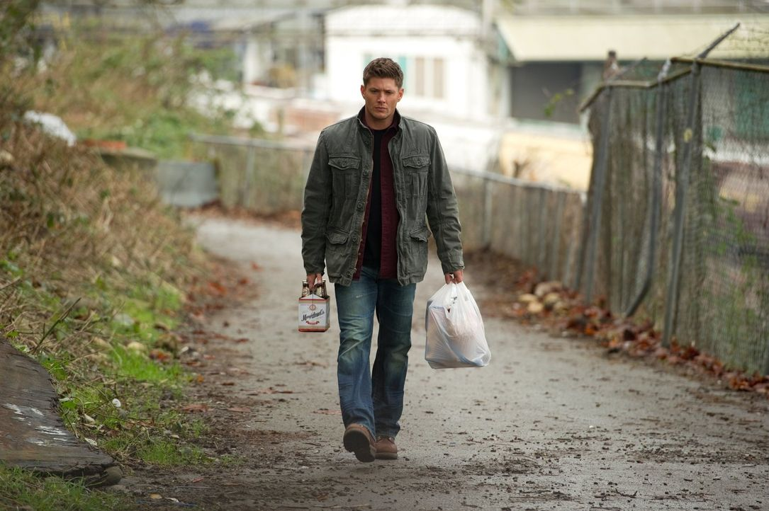 Als Dean (Jensen Ackles) in einer anderen Welt aufwacht, hat er gegen ungewöhnliche Dämonen zu kämpfen ... - Bildquelle: Warner Bros. Television