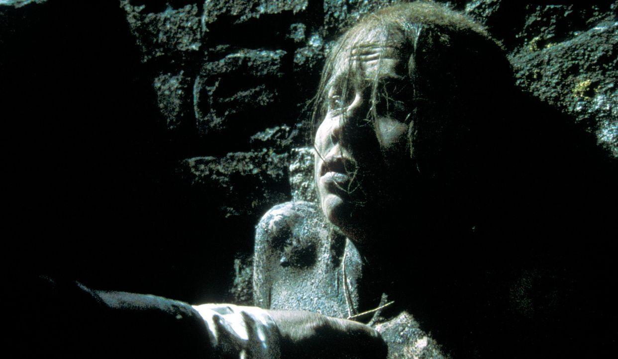Eines der jungen Mädchen (Darsteller unbekannt), auf die es der Alchemist abgesehen hat, konnte sich aus dessen Fängen befreien ... - Bildquelle: Studio Canal