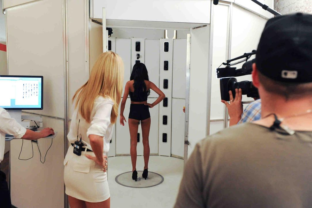 GNTM-Stf11-Epi14-Making-of-13-ProSieben-Micah-Smith - Bildquelle: ProSieben/Micah Smith