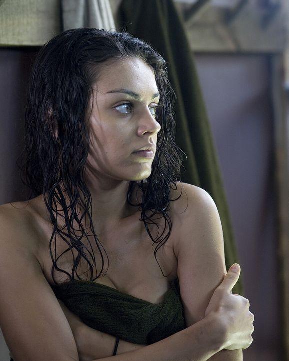 Im Boot Camp treibt der bösartige Doktor Norman Hail schreckliche Demütigungsspielchen mit den jungen Insassen. Da Sophie (Mila Kunis) nicht berei...