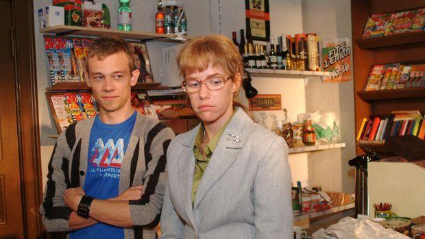 Lisa (Alexandra Neldel, r.) gesteht Jürgen (Oliver Bokern, l.), dass sie sich...