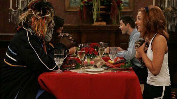 Während Marshall nicht damit klar kommt, dass Lily (Alyson Hannigan, r.) sich...