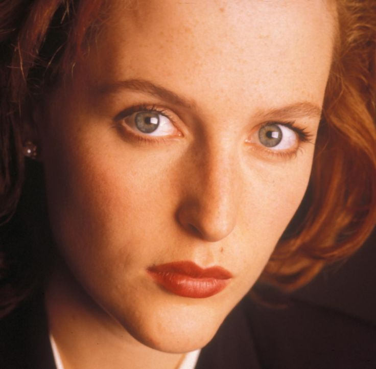 (4. Staffel) - Die FBI-Agentin Dana Scully (Gillian Anderson) erforscht außergewöhnliche Phänomene. - Bildquelle: TM +   Twentieth Century Fox Film Corporation. All Rights Reserved.