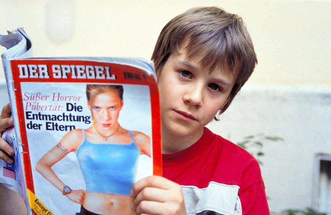 Daniel (Max Felder) kann sich nicht so schnell mit seiner neuen Rolle abfinden. Immer wieder vergisst er, dass er im Körper eines Kindes steckt ... - Bildquelle: Rolf von der Heydt ProSieben