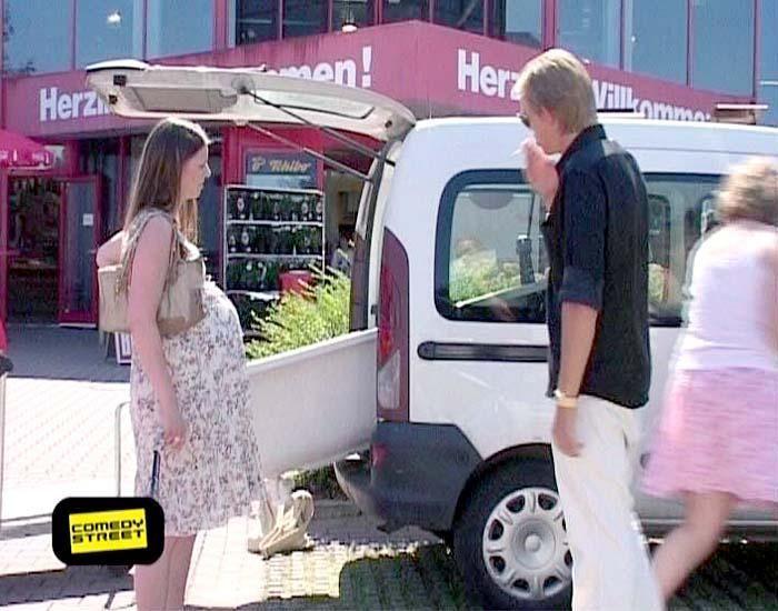 comedystreet-st-04-epi-02-grab-simon-gosejohann-01-prosiebenjpg 700 x 550 - Bildquelle: Guido Ohlenbostel ProSieben