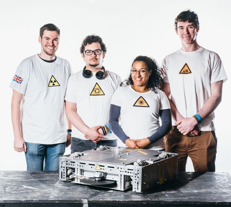 Alles oder nichts: Team Sweeney Todd will mit ihrem selbstgebauten Roboter in der Kampfarena siegen... - Bildquelle: Andrew Rae