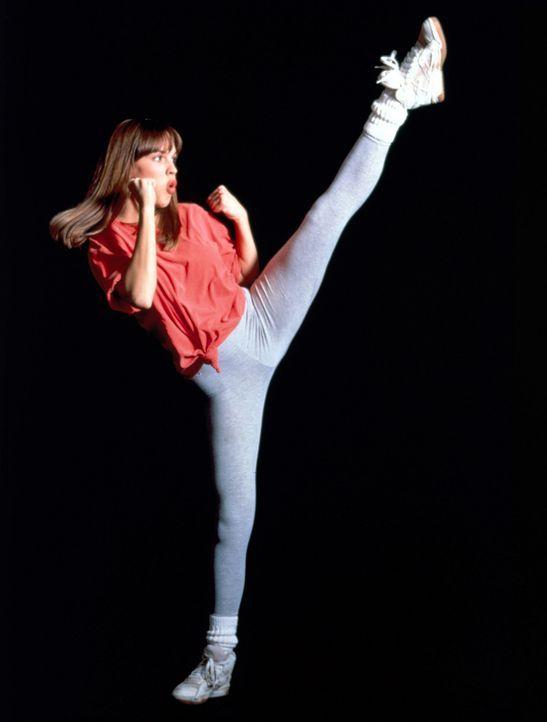 Nach anfänglicher Ablehnung findet Julie (Hilary Swank) Gefallen an der fernöstlichen Kampfkunst ... - Bildquelle: Columbia Pictures