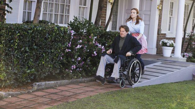 Bree (Marcia Cross, r.) greift zu drastischen Mitteln, um Orson (Kyle MacLach...