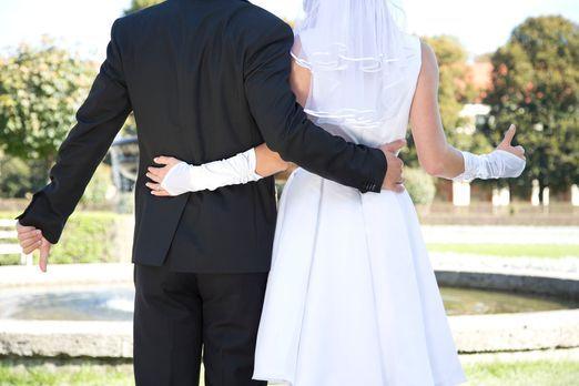 Hochzeit auf den ersten Blick - Auf dem Standesamt treffen zwei Bindungswilli...