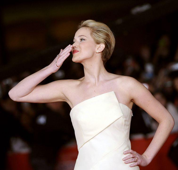 Jennifer-Lawrence-Tribute2-Premiere-Rom-131114-2-dpa - Bildquelle: dpa