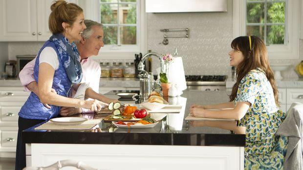 Jess (Zooey Deschanel, r.) ist fasziniert von Nancy (Julie Hagerty, l.) und F...