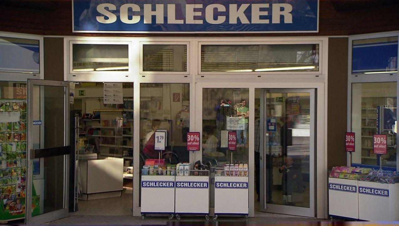 Deutschland galt jahrzehntelang als Schleckerland. Doch 2012 meldet Europas ehemals größte Drogeriemarktkette Insolvenz an. 25.000 Mitarbeiter verli... - Bildquelle: kabel eins