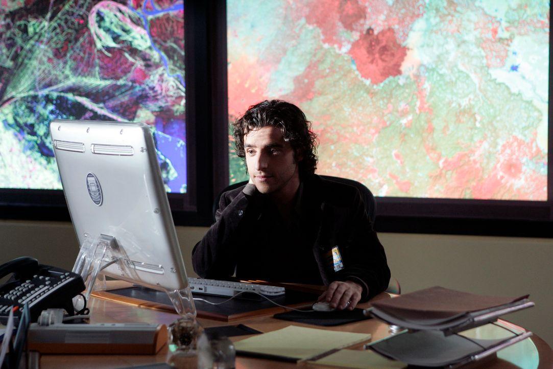 Charlie (David Krumholtz) versucht seinem Bruder Don bei dessen neuen Fall zu unterstützen ... - Bildquelle: Paramount Network Television