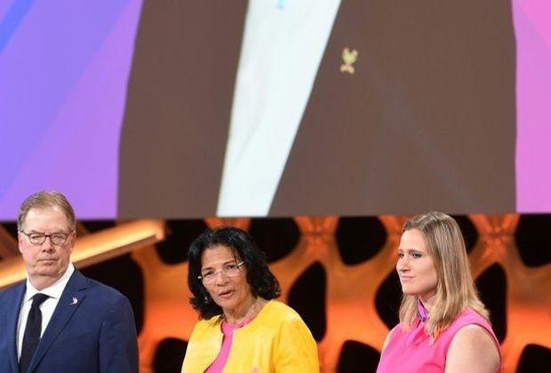 Anita Defrantz (M.) neue Vizepräsidentin des IOC
