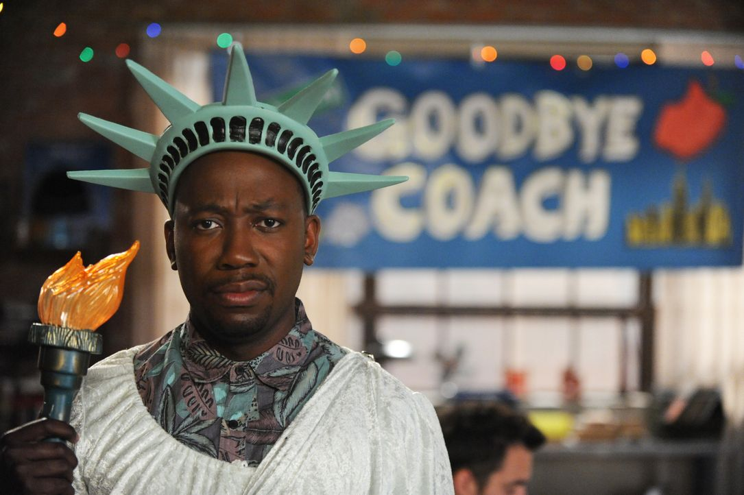 Weil Coach nach New York zieht, geben alle ihr Bestes, um ihm einen gebührenden Abschied zu bereiten, auch Winston (Lamorne Morris) ... - Bildquelle: 2014 Twentieth Century Fox Film Corporation. All rights reserved.