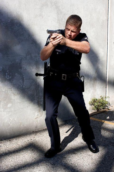 (3. Staffel) - Auf der Straße geht es schmutzig und erbarmungslos zu: Officer John Cooper (Michael Cudlitz) und seine Kollegen sagen dem Verbrechen... - Bildquelle: Warner Brothers