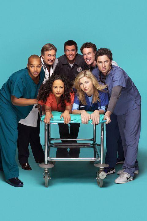 (3. Staffel) - Die Belegschaft des Sacred Heart Hospitals muss täglich mit neuen Überraschungen rechnen: (hinten) John Dorian (Zach Braff, r.), Turk... - Bildquelle: Touchstone Television