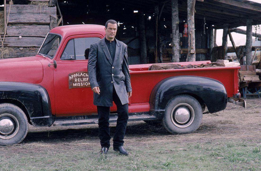 Als US-Marschall Jack Taggart (Steven Seagal) wegen eines Mordfalls in eine Kleinstadt im Bundesstaat Kentucky geschickt wird, ahnt er noch nicht, w... - Bildquelle: Warner Bros. Entertainment Inc.