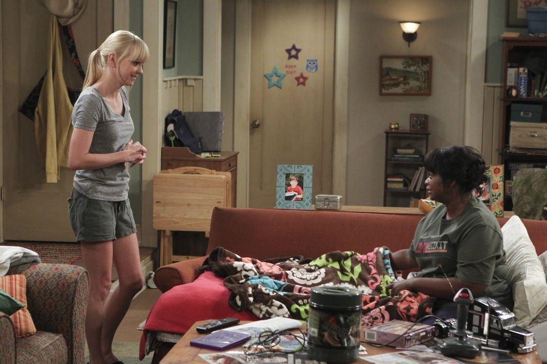 Christy (Anna Faris, l.) hat beschlossen, Regina (Octavia Spencer, r.), die sie bei den Anonymen Alkoholikern kennengelernt hat, zu sich nach Hause... - Bildquelle: Warner Brothers Entertainment Inc.