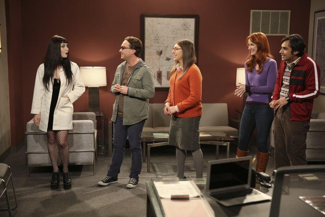 Leonard (Johnny Galecki, 2.v.l.), Amy (Mayim Bialik, M.), Raj (Kunal Nayyar, r.) und Emily (Laura Spencer, 2.v.r.) begeben sich in einen so genannte... - Bildquelle: Warner Bros. Television