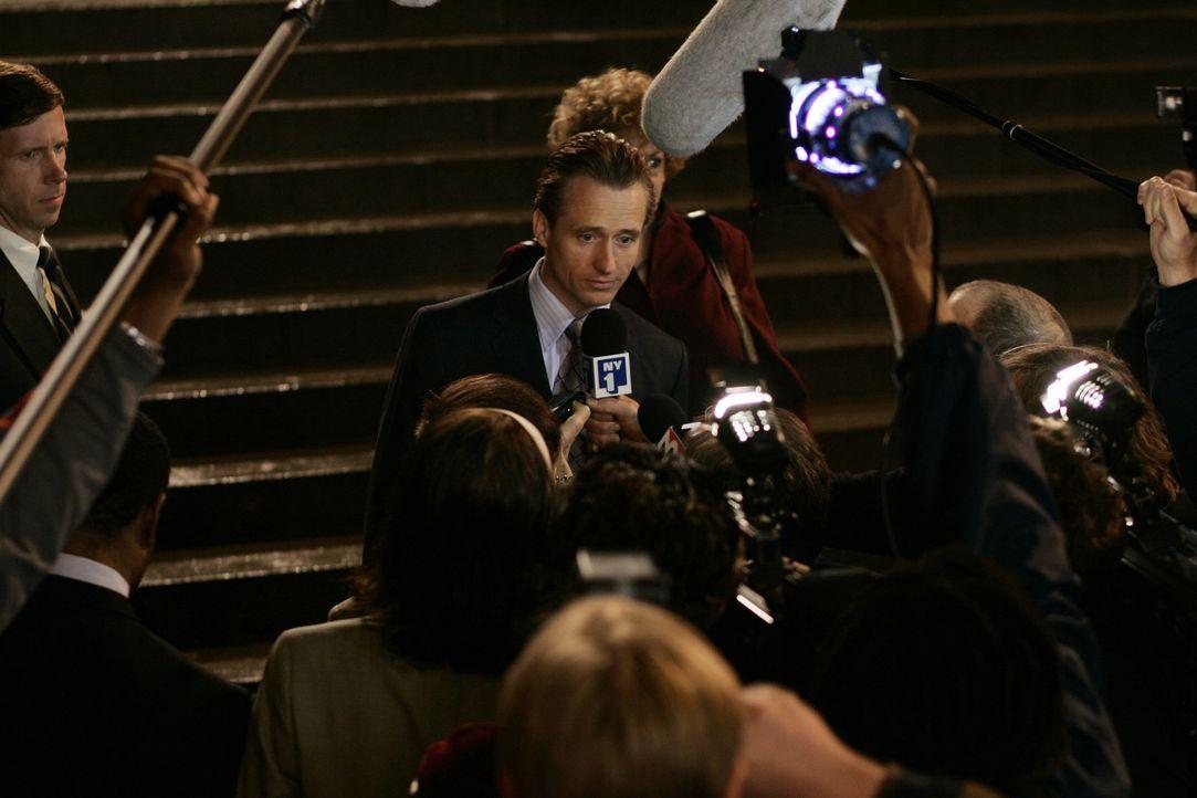 Der Prozess des Mafiosi Jack DiNorsio erweckt großes öffentliches Interesse, vor allem deswegen, weil er seinem Anwalt die Vertretung gekündigt h... - Bildquelle: 2006 Yari Film Group Releasing, LLC