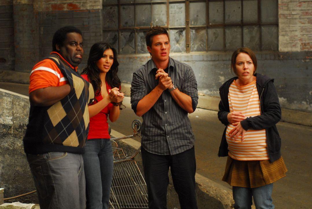 Was (v.l.n.r.) Calvin (Gary 'G. Thang' Johnson), Juney (Crista Flanagan), Will (Matt Lanter) und Lisa (Kim Kardashian) heute Nacht alles erleben mü... - Bildquelle: Constantin Film Verleih