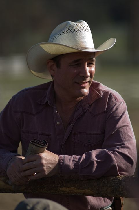 Ist beeindruckt, wie Carrie mit dem schwarzen Mustang-Hengst Flicka umgeht: Toby (Clint Black) ... - Bildquelle: 20Century Fox