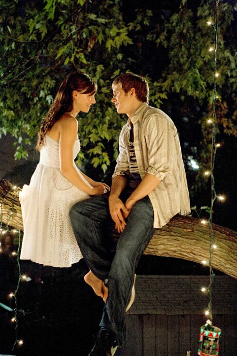 Kommen sich aufgrund ihrer Leidenschaft zum Tanz näher: Chase (Robert Hoffman, r.) und Andie (Briana Evigan, l.) ... - Bildquelle: 2008 Constantin Film