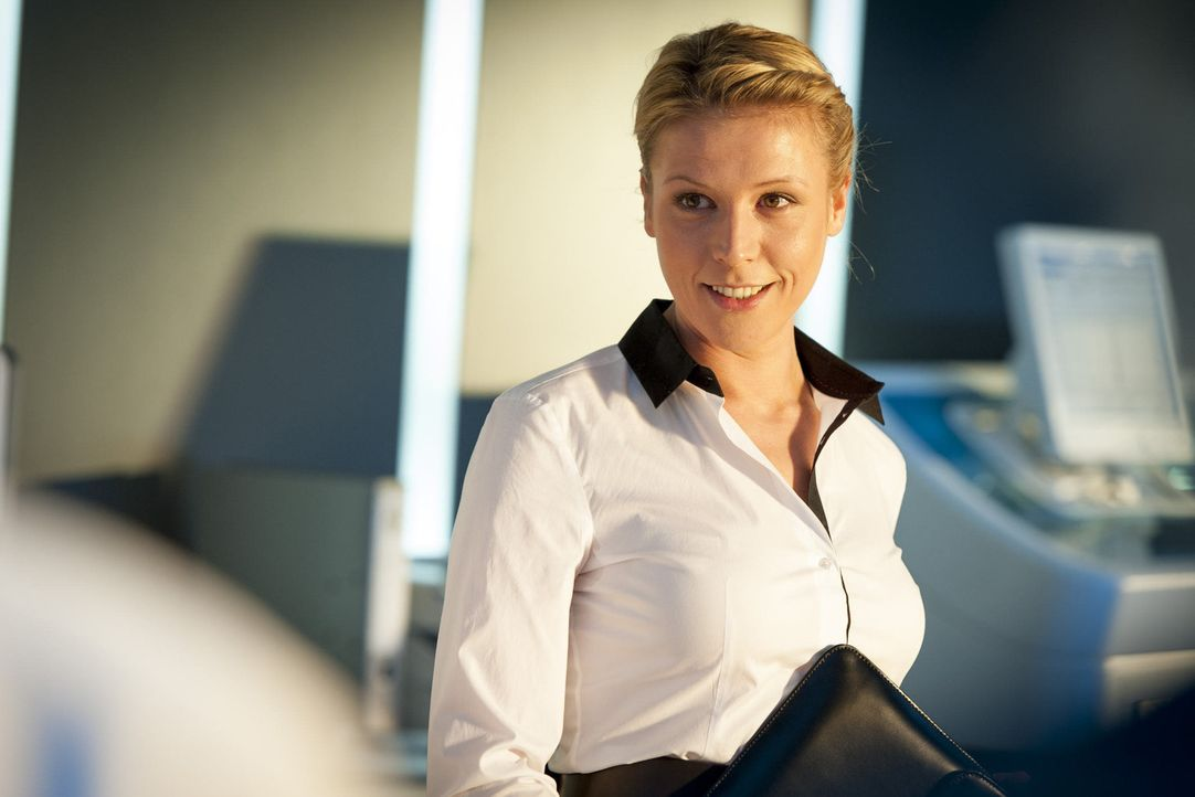 (4. Staffel) - Steffi Averdunk (Franziska Weisz) ist die neue Controllerin im Präsidium und soll nach Einsparungsmöglichkeiten suchen, was ihr natür... - Bildquelle: Martin Rottenkolber SAT. 1
