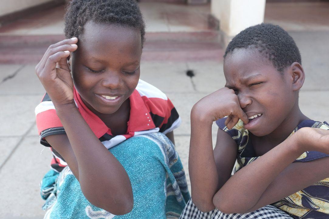 Malawi ist ein extrem armes afrikanisches Land, in dem es nicht nur an Nahrung, sondern auch an ärztlicher Versorgung fehlt. Ade Adepitan reist dort... - Bildquelle: Quicksilver Media