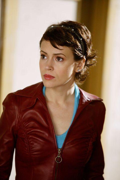 Phoebe (Alyssa Milano) ist völlig ausgelaugt und kommt sich nutzlos vor, seit sie ihre Kräfte verloren hat ... - Bildquelle: Paramount Pictures.