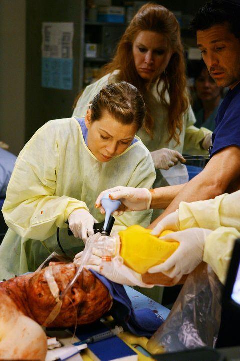 Ein Unfallopfer wurde eingeliefert. Derek (Patrick Dempsey, r.) und Meredith (Ellen Pompeo, l.) kümmern sich um den Schwerverletzten, nicht ahnend,... - Bildquelle: Touchstone Television