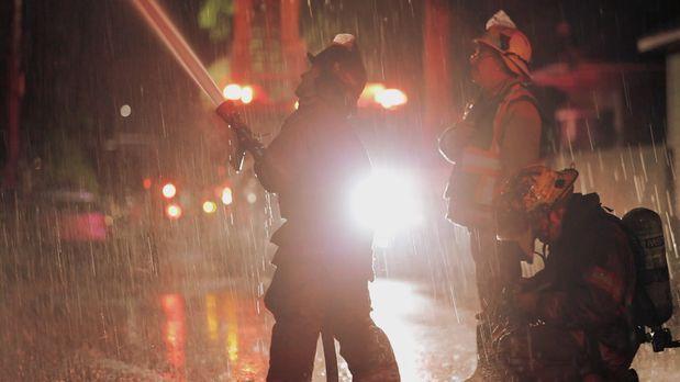 Wasser marsch! Die Nachtschicht der Feuerwehr in New Orleans wird zu einem Hä...