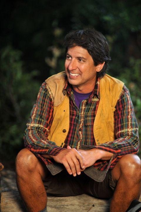 Nachdem Familie Heck zu einer Campingtour aufgebrochen ist, gehen Mike und Frankie gedanklich zu ihren Flitterwochen zurück, die von Nicky Kohlbrenn... - Bildquelle: Warner Brothers