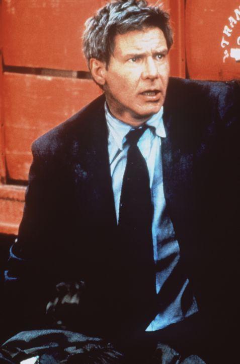 Jack Ryan (Harrison Ford) kann als Einziger knapp einem Anschlag des Drogenkartells gegen eine hochrangige US-Delegation entkommen ... - Bildquelle: Paramount Pictures