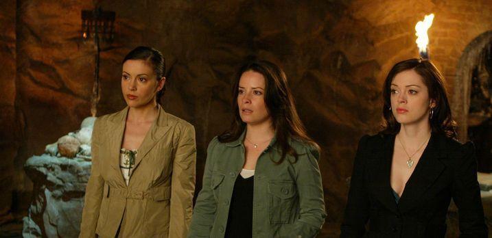 Charmed - Zauberhafte Hexen - Zaunkous Plan, Paige (Rose McGowan, r.), Phoebe...