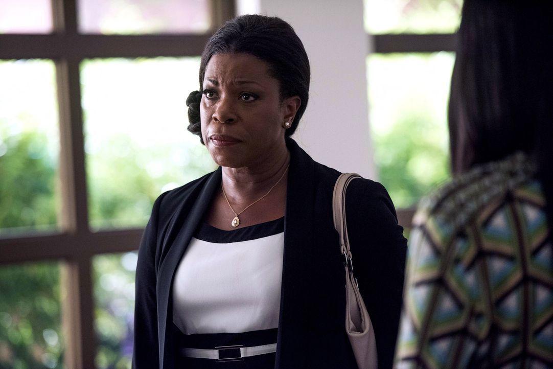 Donna Rosewood (Lorraine Toussaint) ahnt, dass ihre Schülerin ermordet wurde. Kann sie ihren Sohn dazu überreden, eine neue Autopsie durchzuführen? - Bildquelle: 2015-2016 Fox and its related entities.  All rights reserved.