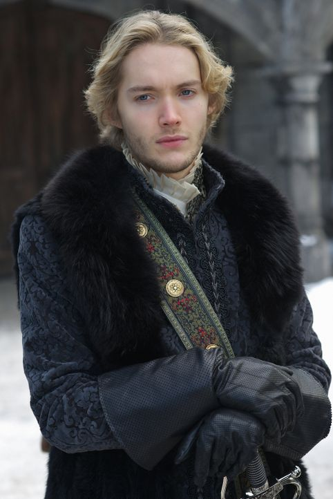 Während Francis (Toby Regbo) und Mary sich immer mehr entfremden, stellt Lola eine große Stütze für den König da ... - Bildquelle: Sven Frenzel 2014 The CW Network, LLC. All rights reserved.