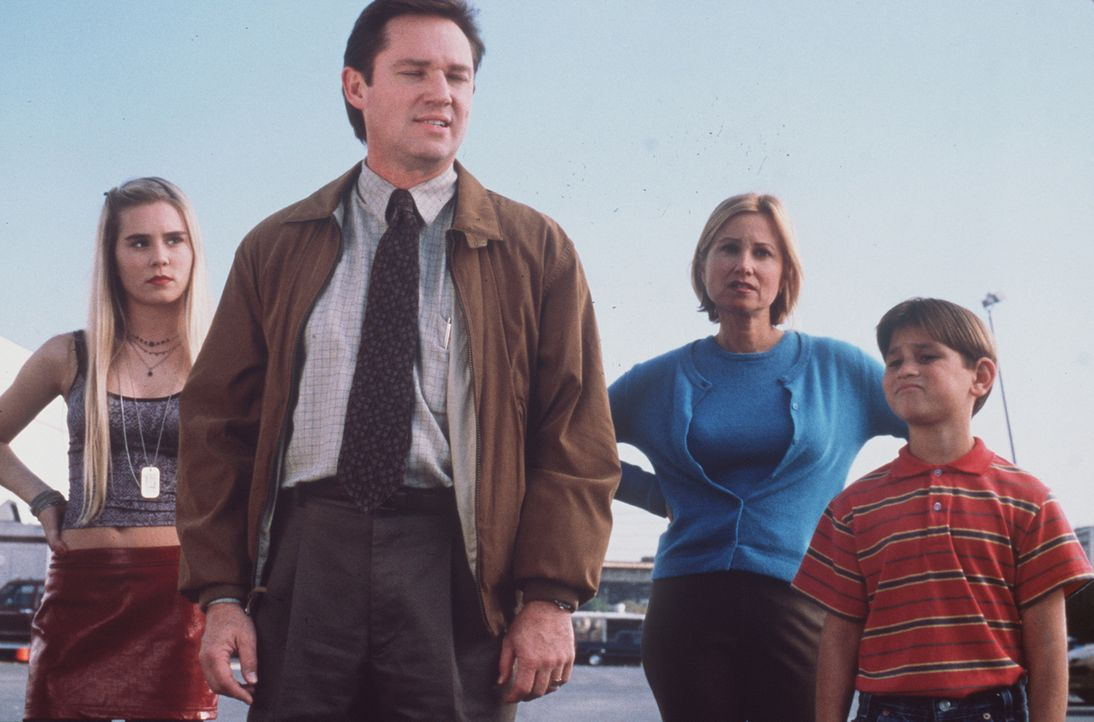Familie Hunter auf der Suche nach dem verlorenen 50-Millionen-Dollar-Los: Courtney (Alison Lohman), Ted (Richard Thomas) Betsy (Maureen McCormick) u... - Bildquelle: A-Pix Entertainment