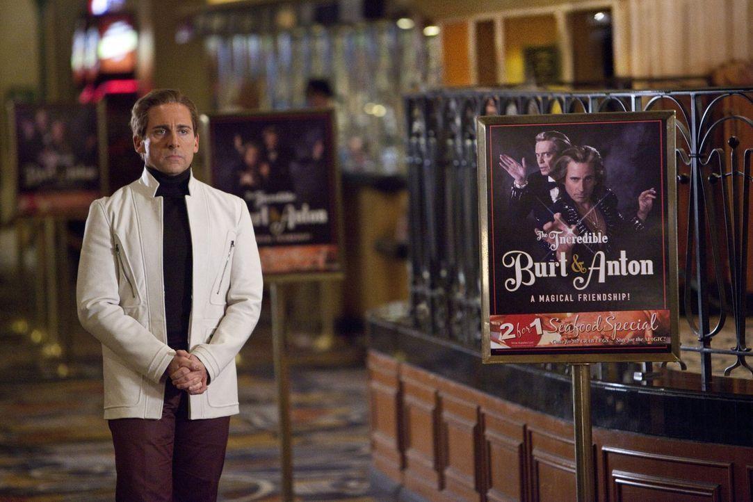 Bekommt eine letzte Chance, zu beweisen, dass doch ein leidenschaftliches Magierherz in ihm pocht: Burt Wonderstone (Steve Carell) ... - Bildquelle: 2013   Warner Brothers