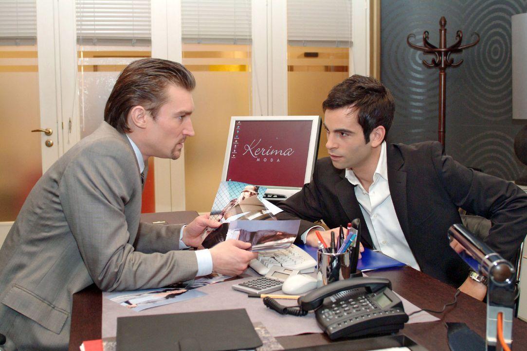 Richard (Karim Köster, l.) und David (Mathis Künzler, r.) sind sich mal wieder uneinig ... - Bildquelle: Monika Schürle Sat.1