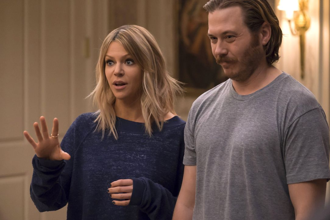 Zusammen sind Mickey (Kaitlin Olson, l.) und Jimmy (Scott MacArthur, r.) ein starkes Team und schaffen es immer wieder die Kinder in den Griff zu be... - Bildquelle: 2017 Fox and its related entities. All rights reserved.