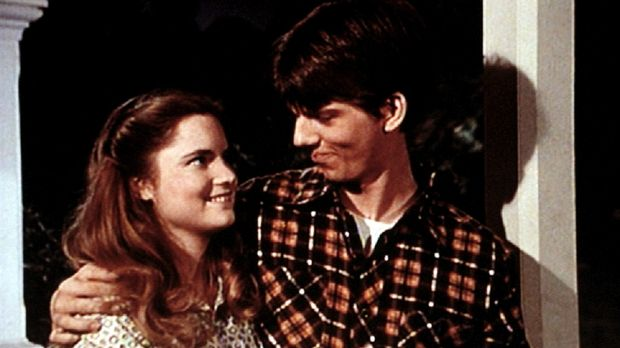 Kathy (Jennifer Jason Leigh, l.) behauptet, dass sie von Jim Bob (David W. Ha...