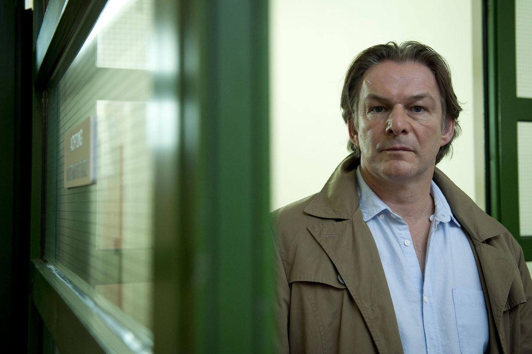 Hat Firmenbesitzer Jürgen Wolter (Max Herbrechter) die Pharmareferentin Monika Rietz ermordet, um Zulassungsmanipulationen seiner neu entwickelten... - Bildquelle: SAT.1
