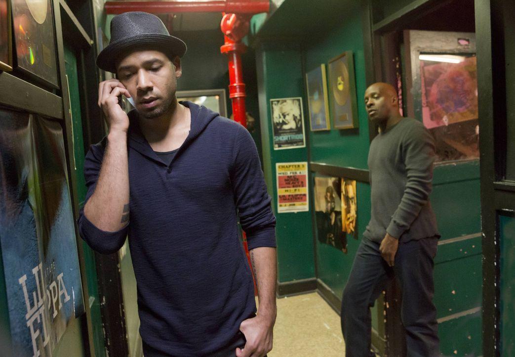 """Eigentlich möchte Jamal (Jussie Smollett, l.) nicht als Muttersöhnchen gelten, bei seinen Aufnahmen im """"Ghetto""""-Studio ruft er dennoch Cookie an, um... - Bildquelle: 2015 Fox and its related entities.  All rights reserved."""