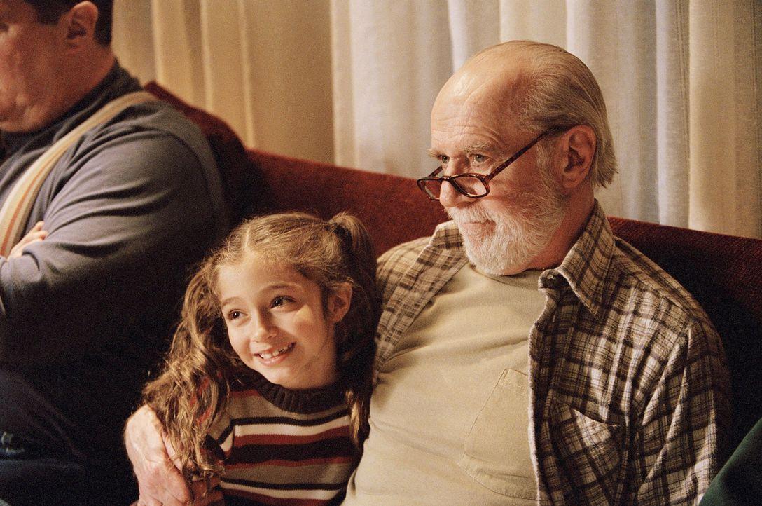 Auf tragische Weise stellt sich Ollies Leben auf dem Kopf: Bei der Geburt seiner Tochter stirbt seine Frau und als er mit der Erziehung überfordert... - Bildquelle: Peter Sorel Miramax Films. All rights reserved